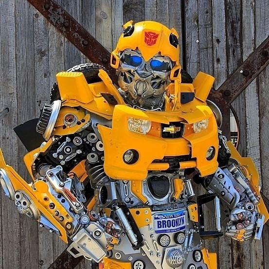 Mãn nhãn với bộ sưu tập robot Transformers được chế biến từ phế liệu cũ - Ảnh 14.