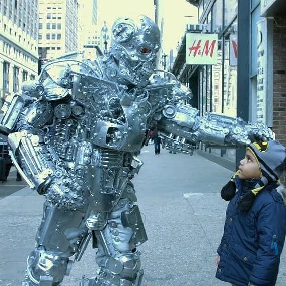 Mãn nhãn với bộ sưu tập robot Transformers được chế biến từ phế liệu cũ - Ảnh 16.