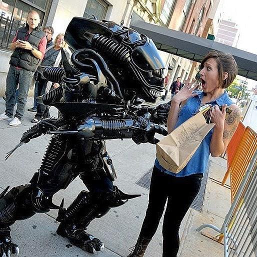 Mãn nhãn với bộ sưu tập robot Transformers được chế biến từ phế liệu cũ - Ảnh 17.