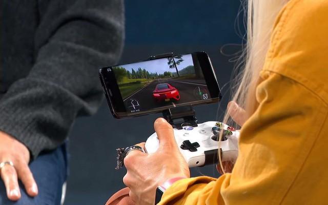 Đón đầu Google sớm 1 tuần, Microsoft trình diễn dịch vụ stream game xCloud: chơi game Xbox trên điện thoại Android - Ảnh 1.