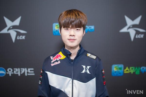 LMHT: Netizen Hàn tranh cãi kịch liệt khi Deft bị cướp trắng danh hiệu MVP vòng bảng LCK Xuân 2019 - Ảnh 3.