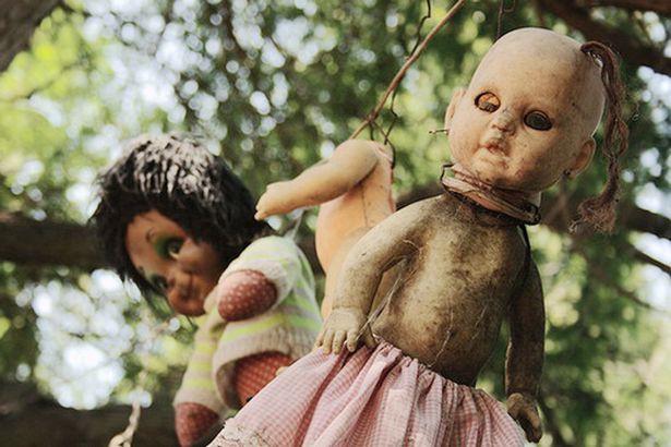 Đảo ác mộng: Hòn đảo chẳng có gì ngoài búp bê kinh dị như Annabelle - Ảnh 5.
