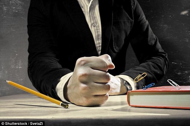 Những giáo viên kinh dị trong ác mộng khiến học sinh cũng sợ run người trong lịch sử - Ảnh 6.