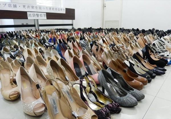 Kho tang vật của cảnh sát Nhật Bản: Không thiếu những món kỳ dị, còn đồ lót bị sắp xếp như bán ở siêu thị! - Ảnh 5.