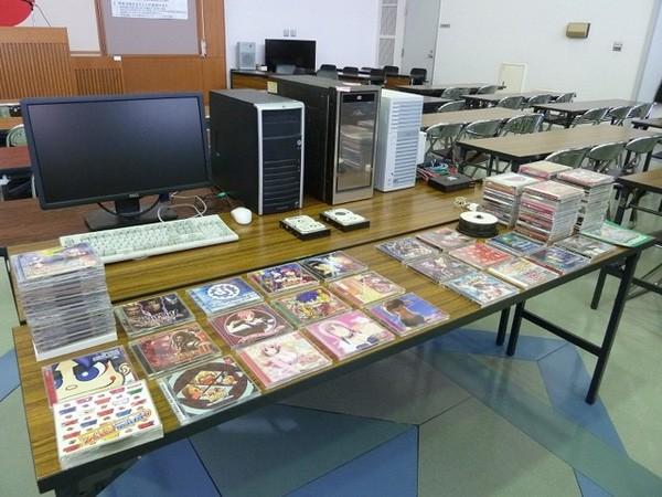 Kho tang vật của cảnh sát Nhật Bản: Không thiếu những món kỳ dị, còn đồ lót bị sắp xếp như bán ở siêu thị! - Ảnh 7.