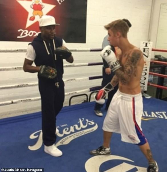 Justin Bieber gạ đấm nhau với Tom Cruise, Paul Logan vào can ngăn cũng bị dọa cho ăn đòn - Ảnh 4.