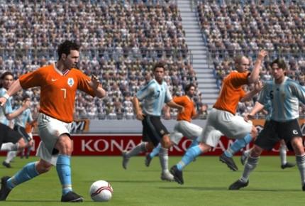 Tạm biệt thương hiệu Pro Evolution Soccer, cùng nhìn lại những bản PES hay nhất trong lịch sử (P2) - Ảnh 3.