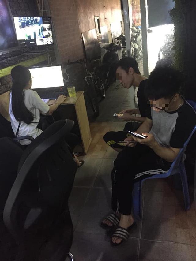 Đi chơi net gặp gái xinh trông quán, 2 game thủ này quyết định mặt dày tán tỉnh chứ chẳng thèm ngồi máy - Ảnh 2.