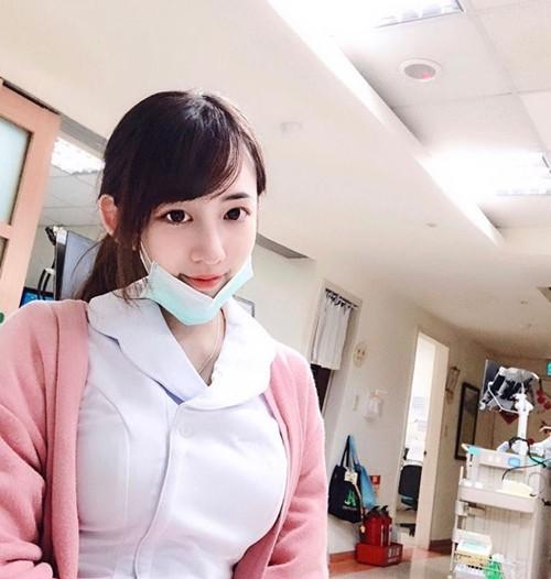 Bỏng mắt với cô nàng y tá xinh như thiên thần, sở hữu vòng một khủng cả mét - Ảnh 3.