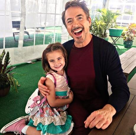Con gái Iron Man đăng tải video cầu cứu vì hứng chịu nhiều sự bắt nạt trên mạng xã hội - Ảnh 1.