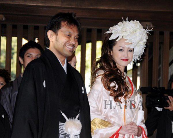 Quốc bảo phim 18+ Nhật Bản: Lấy chồng già hơn 22 tuổi, mỗi tháng chỉ cho phép quan hệ 5 lần, muốn hơn phải trả 100 triệu/lần - Ảnh 5.