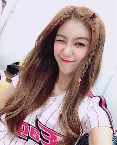 Gục ngã trước cô nàng hoạt náo viên xinh đẹp và nóng bỏng nhất Hàn Quốc - Ảnh 17.