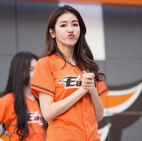 Gục ngã trước cô nàng hoạt náo viên xinh đẹp và nóng bỏng nhất Hàn Quốc - Ảnh 18.