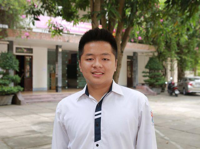 Tấm gương của game thủ: Sát kỳ thi vẫn quẩy game nhiệt, là thí sinh duy nhất được 10 điểm Toán thi tốt nghiệp ở Nghệ An - Ảnh 1.