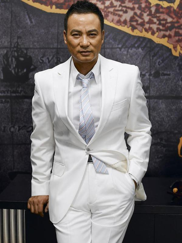 Diễn viên Hong Kong được xã hội đen kiêng nể và phát ngôn khiến phụ nữ tan chảy - Ảnh 1.