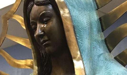 Bí ẩn về những bức tượng có thể khóc ra máu: Hiện tượng siêu nhiên hay trò lừa gạt? - Ảnh 4.