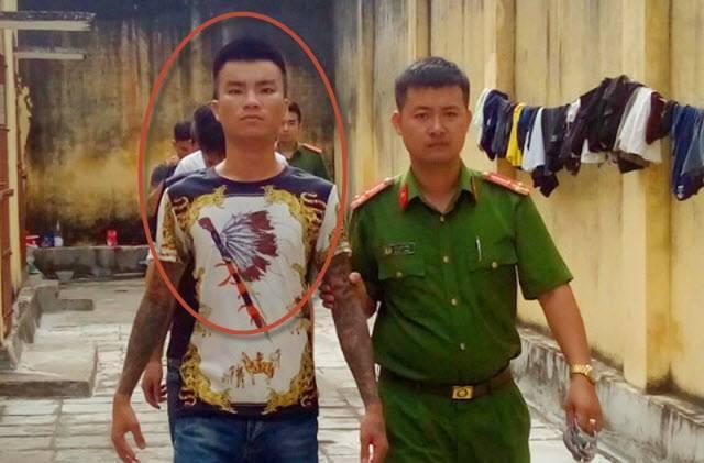 Giang hồ mạng Long 9 ngón tiếp bước Khá Bảnh, hiện đã bị bắt tạm giam và khởi tố - Ảnh 1.