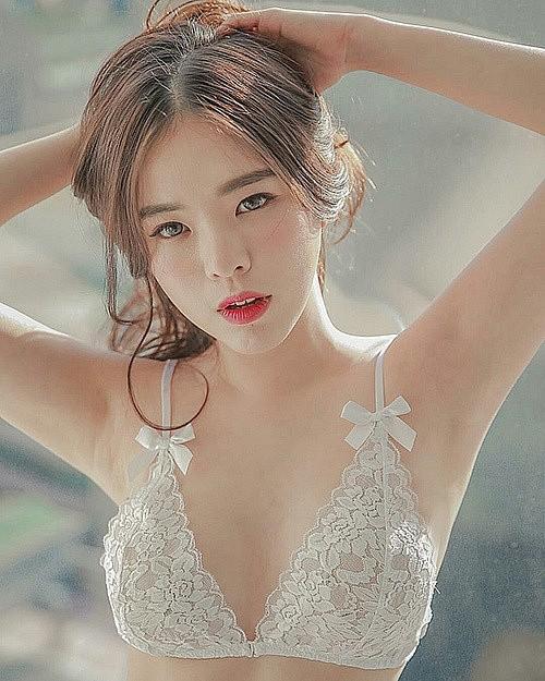Những thiên thần nội y đình đám nhất Hàn Quốc - mặt xinh, dáng đẹp vòng một khủng - Ảnh 1.