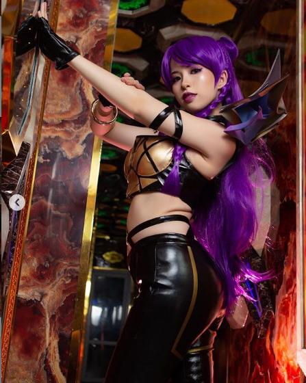 LMHT: Cộng đồng quốc tế khen nức nở nữ Cosplayer Việt hóa thân xuất sắc trang phục KDA KaiSa - Ảnh 4.