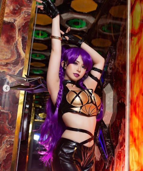 LMHT: Cộng đồng quốc tế khen nức nở nữ Cosplayer Việt hóa thân xuất sắc trang phục KDA KaiSa - Ảnh 5.