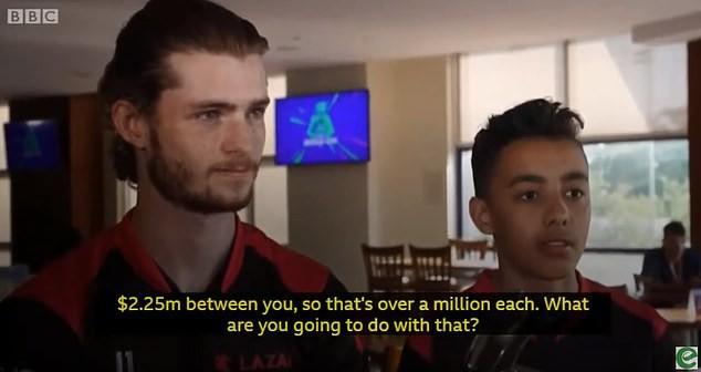Từng bị mẹ đập máy vì không cho chơi điện tử, game thủ 15 tuổi cầm 30 tỷ tiền giải về chứng minh Mẹ sai rồi - Ảnh 1.