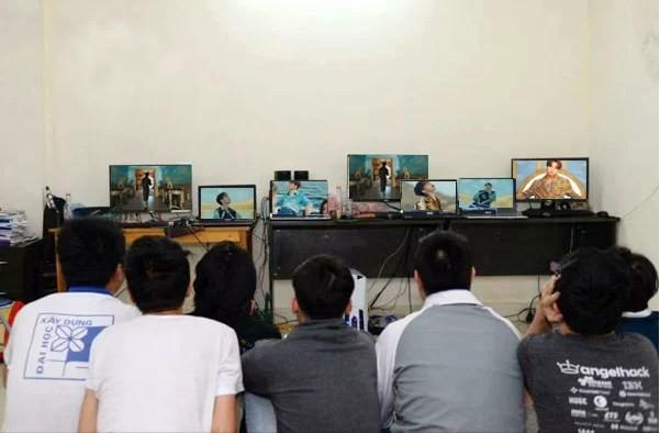 Bỏ 50 triệu bao quán net cày view cho sếp Tùng, Youtuber bị cộng đồng mạng ném đá không thương tiếc - Ảnh 3.