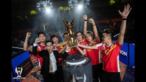 Xúc động với tâm thư mẹ của nhà vô địch AWC gửi cho con trước lúc đi Sài Gòn thi đấu loạt trận tuyển chọn SEA Games 30 - Ảnh 3.