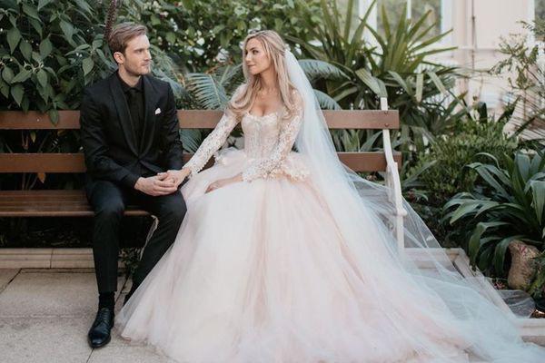 Bộ ảnh cưới đẹp như trong truyện cổ tích của ông hoàng YouTube PewDiePie - Ảnh 5.