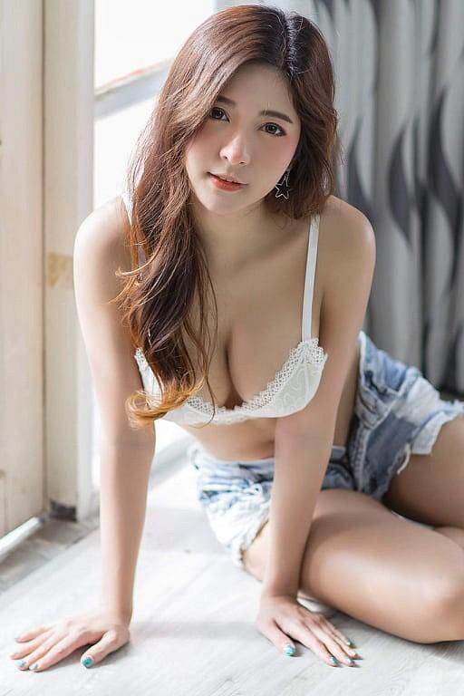 Gục ngã trước nhan sắc nóng bỏng của cô nàng hot girl xứ sở chùa Vàng - Ảnh 15.