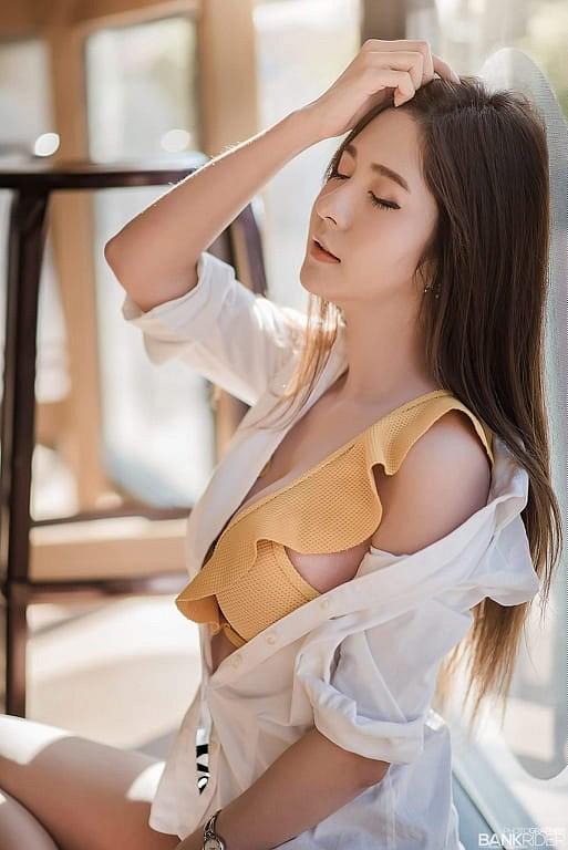 Gục ngã trước nhan sắc nóng bỏng của cô nàng hot girl xứ sở chùa Vàng - Ảnh 22.