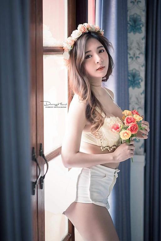 Gục ngã trước nhan sắc nóng bỏng của cô nàng hot girl xứ sở chùa Vàng - Ảnh 23.