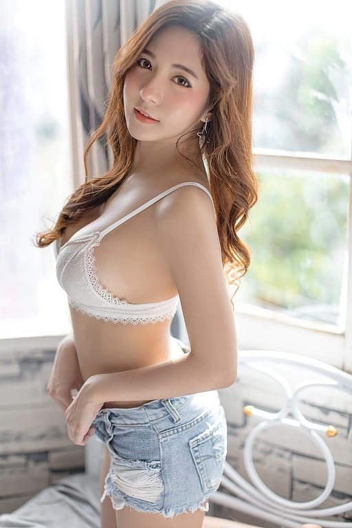 Gục ngã trước nhan sắc nóng bỏng của cô nàng hot girl xứ sở chùa Vàng - Ảnh 39.