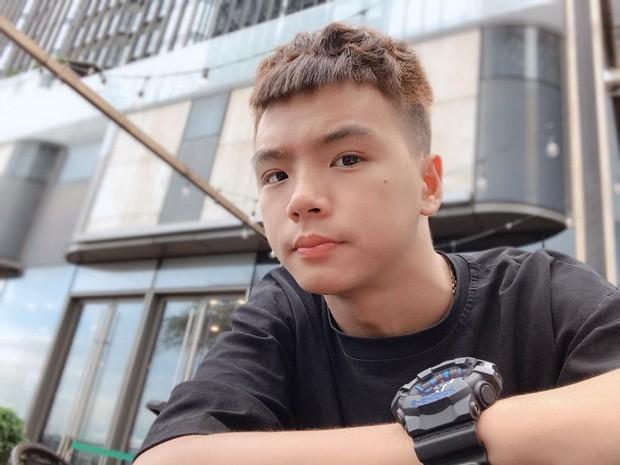 5 kênh du lịch - ẩm thực hot nhất miền Tây: Khoai Lang Thang sắp đạt nút vàng, một YouTuber trẻ tuổi khác đã làm được điều đó từ lâu - Ảnh 19.