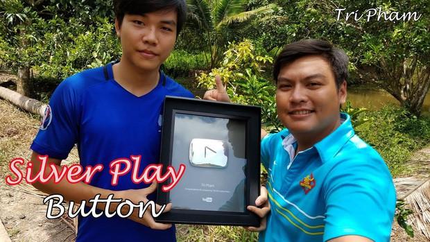 5 kênh du lịch - ẩm thực hot nhất miền Tây: Khoai Lang Thang sắp đạt nút vàng, một YouTuber trẻ tuổi khác đã làm được điều đó từ lâu - Ảnh 46.