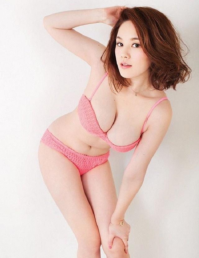 Chảy máu mũi với gái xinh được khao khát nhất Nhật Bản: Sở hữu số đo 3 vòng 89-60-85 và từng bị sàm sỡ ngay trên sóng - Ảnh 3.