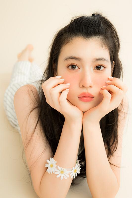 Nhan sắc của hot girl Nhật Bản gây sốt: Xinh như búp bê nhưng lại nghiện cởi - Ảnh 7.