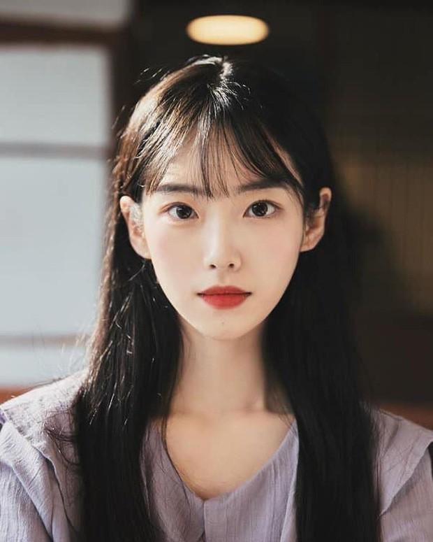 Nữ YouTuber sở hữu điểm cộng nhan sắc của IU, Taeyeon, Irene nên bị nghi ngờ là đã đập mặt xây lại - Ảnh 3.