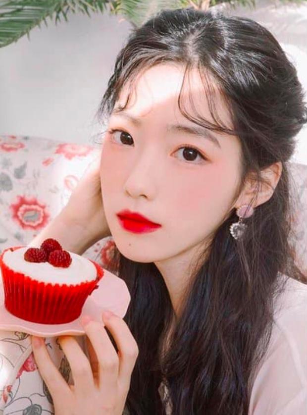 Nữ YouTuber sở hữu điểm cộng nhan sắc của IU, Taeyeon, Irene nên bị nghi ngờ là đã đập mặt xây lại - Ảnh 5.