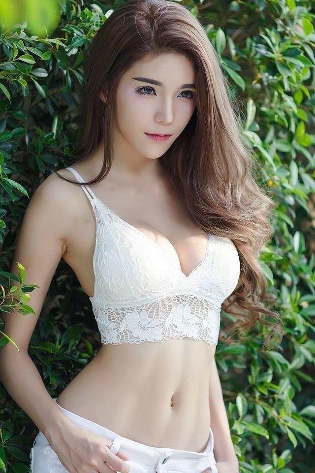 Vòng một siêu phẩm của hot girl gợi tình nhất châu Á - Ảnh 1.