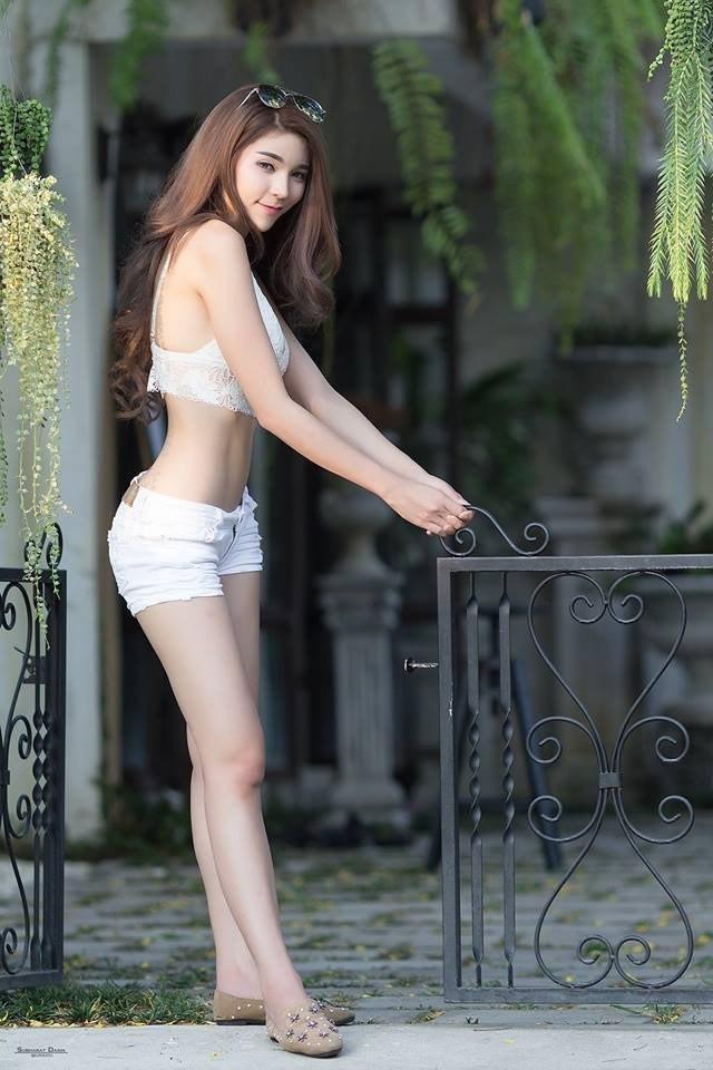 Vòng một siêu phẩm của hot girl gợi tình nhất châu Á - Ảnh 6.