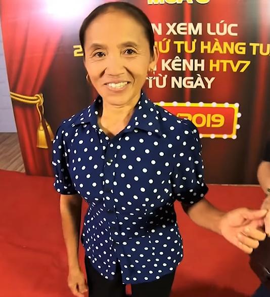 Bà Tân Vlog lên gameshow, phát biểu mạnh mẽ: Bà làm Youtube thiếu gì tiền - Ảnh 2.
