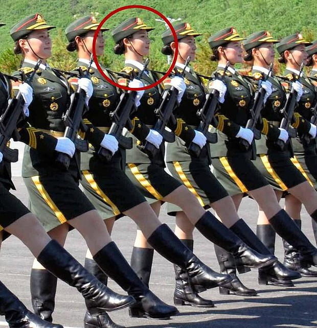 Nữ quân nhân gây sốt MXH vì nhan sắc tựa thiên thần, bỏ nghề người mẫu nội y để tham gia quân đội - Ảnh 4.