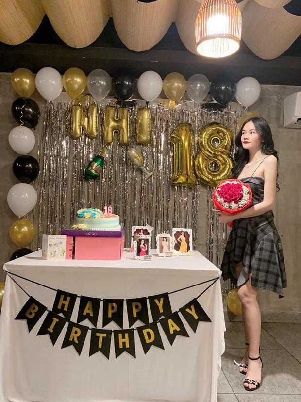 Mẫu nhí 13 tuổi từng nổi đình đám vì chiều cao 1m73: Giờ đã là thiếu nữ 18 tuổi xinh đẹp và sang chảnh hết nấc - Ảnh 8.