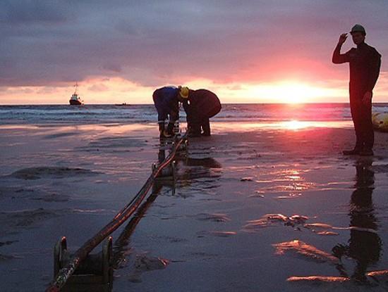 Cáp biển AAG được sửa xong sớm trước 4 ngày so với dự kiến - Ảnh 1.
