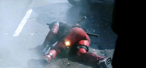 Deadpool bất ngờ tung trailer mới đón giáng sinh