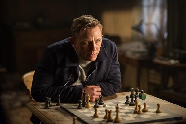 """Nam diễn viên Daniel Craig tự nhận James Bond là """"một kẻ đơn độc thù ghét đàn bà"""""""