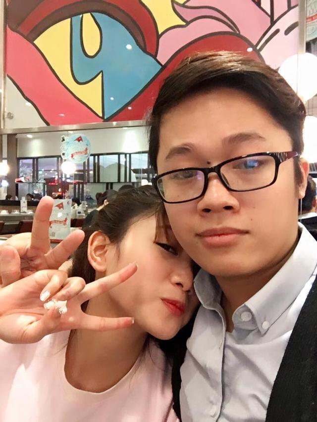"""Soi các cặp đôi """"trai tài gái sắc"""" của Thể thao điện tử Việt Nam"""
