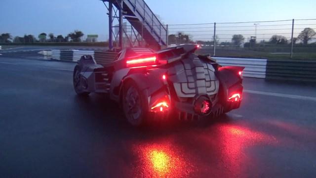 Đại gia chi tiền biến Lamborghini thành xe của Batman