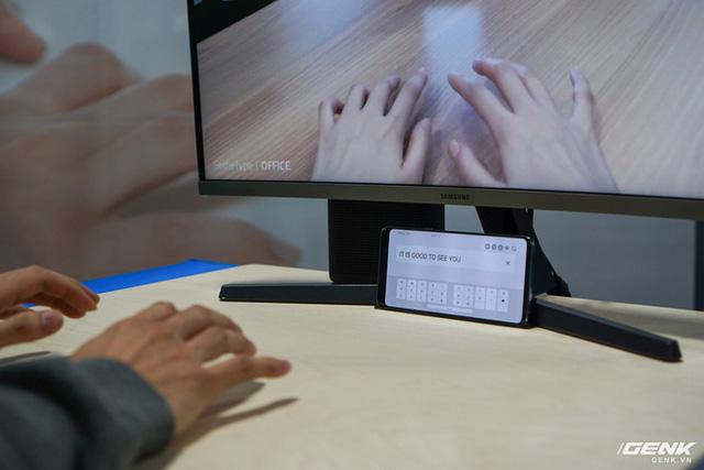 [CES 2020] Cận cảnh bàn phím vô hình Selfie Type của Samsung: Quảng cáo có khác với thực tế? - Ảnh 7.