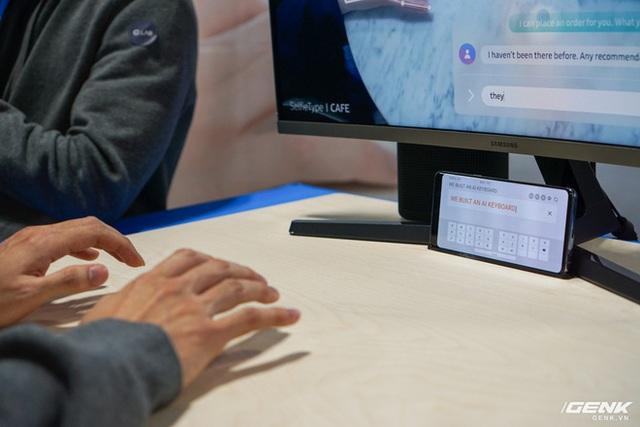 [CES 2020] Cận cảnh bàn phím vô hình Selfie Type của Samsung: Quảng cáo có khác với thực tế? - Ảnh 8.